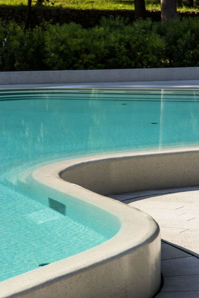 Lone-Outdoor-Pools-1