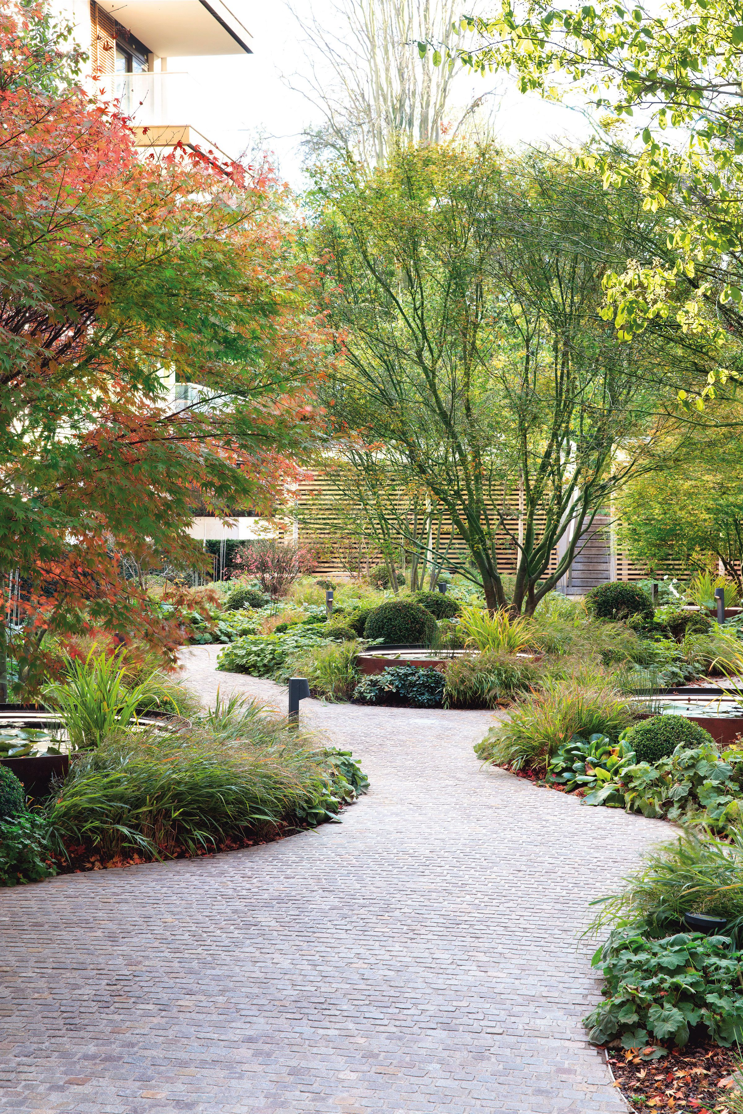 holland park villas by Gillespies