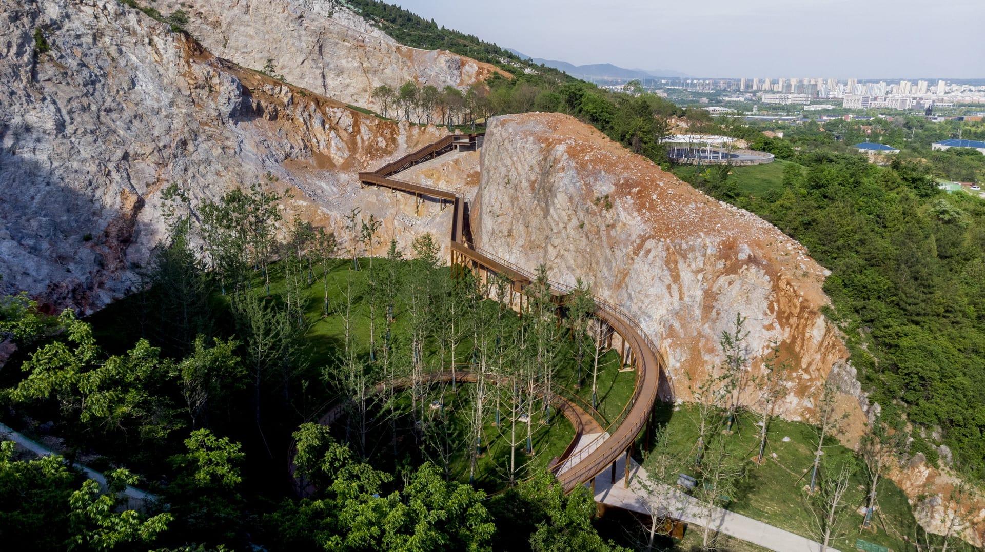 煤气站_南京-汤山矿坑公园 / 张唐景观 – mooool木藕设计网